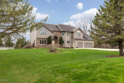 Rochester Single Family Home For Sale: 5357 Hawthorn Hill Lane NE