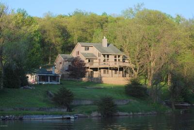 Rochester Single Family Home For Sale: 80 Sandy Point Court NE