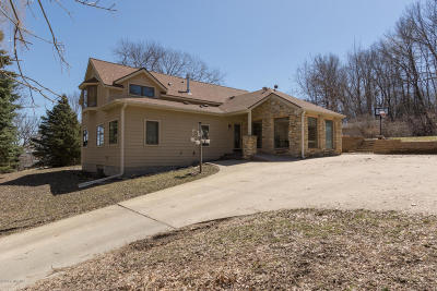 Rochester Single Family Home For Sale: 2418 5th Street SW