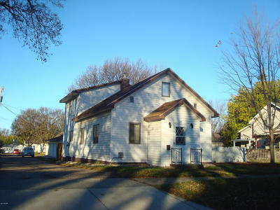 Appleton Single Family Home For Sale: 129 S Miles Street