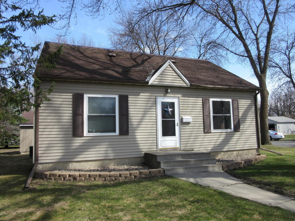 4 bed / 1 full, 1 partial baths Home in Willmar for $119,900