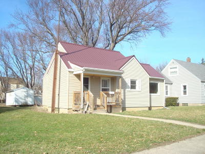Appleton Single Family Home For Sale: 335 E Ronning Avenue