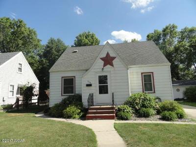 Willmar Single Family Home For Sale: 704 Minnesota Avenue SE