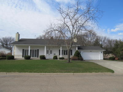 Granite Falls MN Single Family Home For Sale: $169,000
