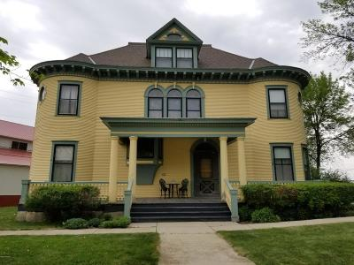 Cottonwood Single Family Home For Sale: 61 E Main Street