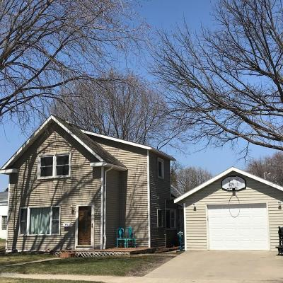 Willmar Single Family Home For Sale: 910 Campbell Avenue NW