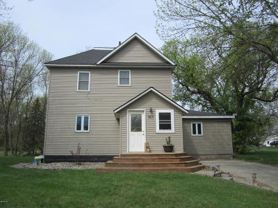 Clarkfield Single Family Home For Sale: 907 14th Street