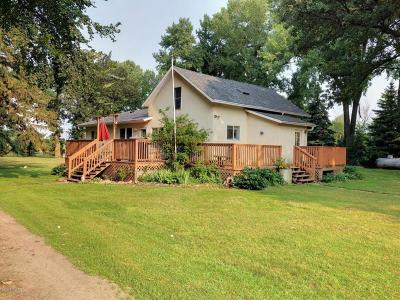 Renville Single Family Home For Sale: 74382 Co. Rd. 6