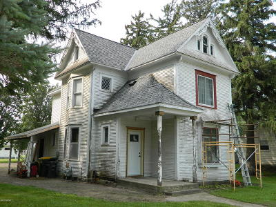 Sacred Heart Single Family Home For Sale: 420 E Maple Street