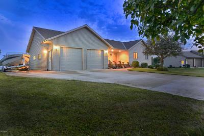 New London Single Family Home For Sale: 723 Westland Lane