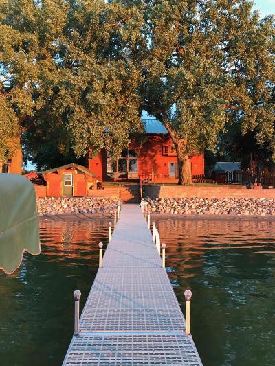 Willmar Single Family Home For Sale: 5596 E Eagle Lake Road