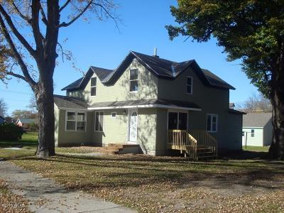 Appleton Single Family Home For Sale: 27 E Schlieman Avenue