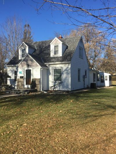 Willmar Single Family Home Contingent: 915 Becker Avenue SE