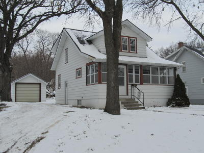 Granite Falls Single Family Home Contingent: 162 Washington St.