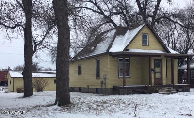 Willmar Single Family Home For Sale: 1009 Campbell Avenue NW