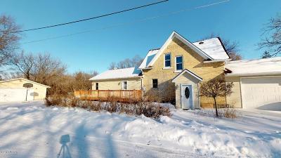 New London Single Family Home For Sale: 230 Cedar Street NE