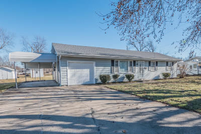 Moberly MO Single Family Home For Sale: $99,900