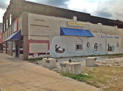 Moberly Commercial For Sale: 215 N 4TH St