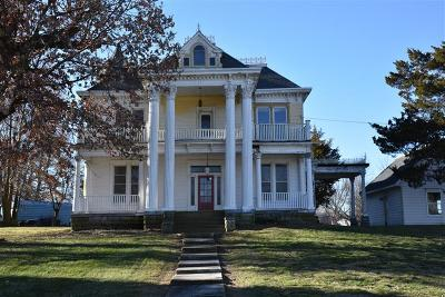 Moberly MO Single Family Home For Sale: $82,000