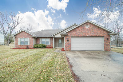 Columbia Single Family Home For Sale: 1408 N GOLF Blvd