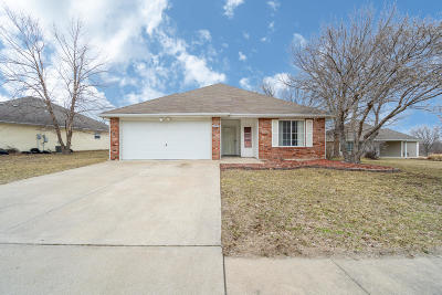 Columbia Single Family Home For Sale: 2301 LICHFIELD Dr
