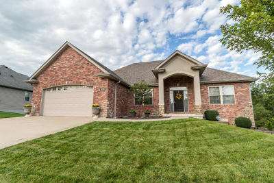 Columbia Single Family Home For Sale: 4606 MAPLE LEAF Dr
