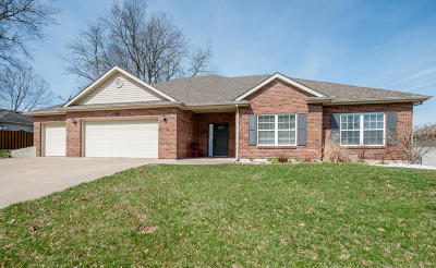 Columbia Single Family Home For Sale: 3305 BRADEN Dr