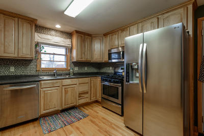 Columbia Single Family Home For Sale: 211 W THURMAN St