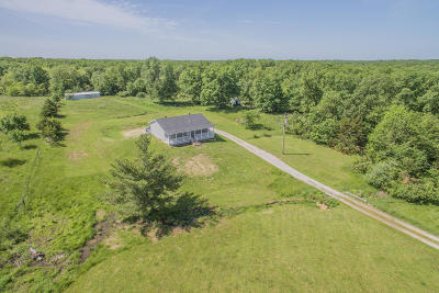 Moberly Single Family Home For Sale: 1412 COUNTY ROAD 1223