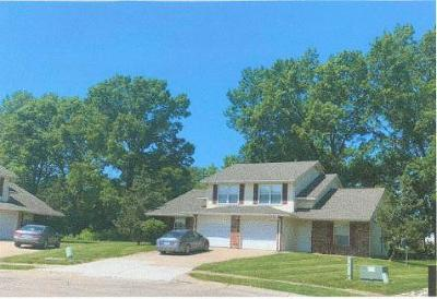 Columbia Multi Family Home For Sale: 1600 STEAMBOAT Ln