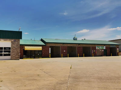 Commercial For Sale: 903 E HIGHWAY 22