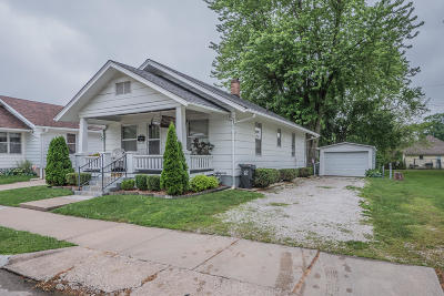 Moberly MO Single Family Home For Sale: $67,000