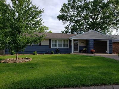 Columbia Single Family Home For Sale: 1608 HIGHRIDGE Cir