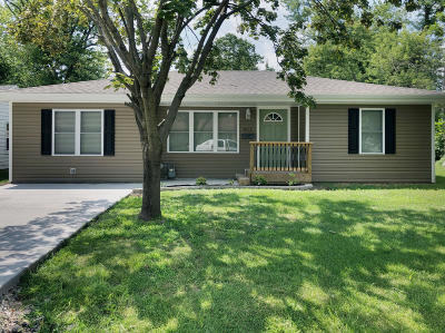 Moberly MO Single Family Home For Sale: $124,900