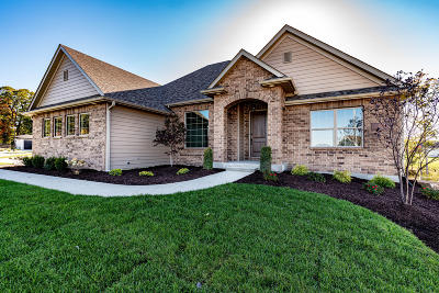 Columbia Single Family Home For Sale: 601 BLACK WOLF Lp