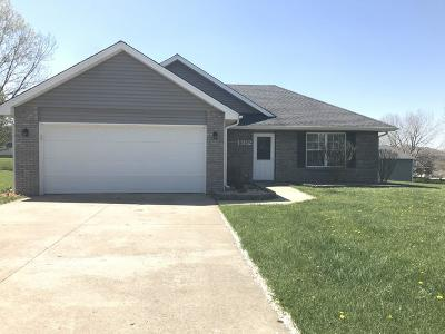 Columbia Single Family Home For Sale: 1302 WHIRLAWAY Ct