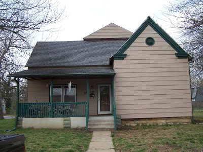 Vernon County Single Family Home For Sale: 328 S Clay