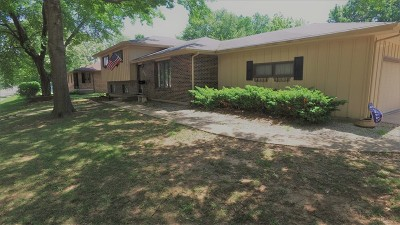 Vernon County Single Family Home For Sale: 825 W Austin Blvd.