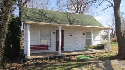 El Dorado Springs Single Family Home For Sale: 303 S St. James