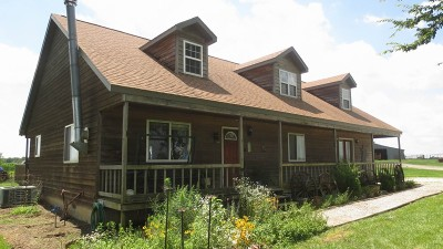 Cedar County Single Family Home For Sale: 4500 E 800 Rd