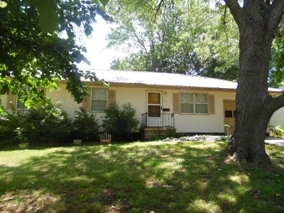 Vernon County Single Family Home For Sale: 1210 N Elizabeth