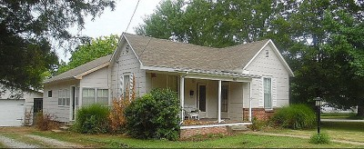 Vernon County Single Family Home For Sale: 404 S Tucker