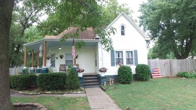 Vernon County Single Family Home For Sale: 1621 N Washington