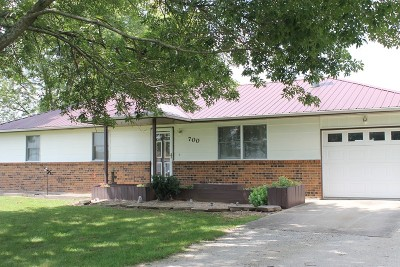 Vernon County Single Family Home For Sale: 700 Meadow Lane