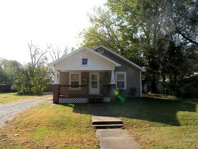 Vernon County Single Family Home For Sale: 306 E Allison