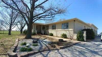 Vernon County Single Family Home For Sale: 17485 E Waldo Rd