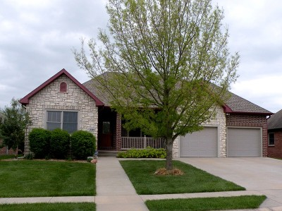 Nevada Single Family Home For Sale: 2219 Stonegate Dr.