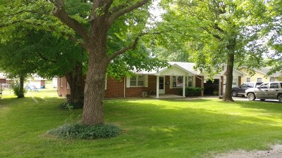 El Dorado Springs Single Family Home For Sale: 1402 S Kirkpatrick