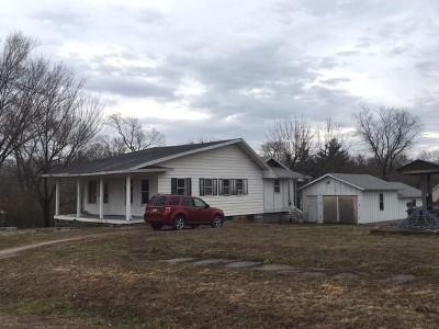 El Dorado Springs Single Family Home For Sale: 318 W Hightower