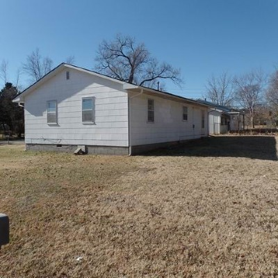 El Dorado Springs Single Family Home For Sale: 809 E Marshall